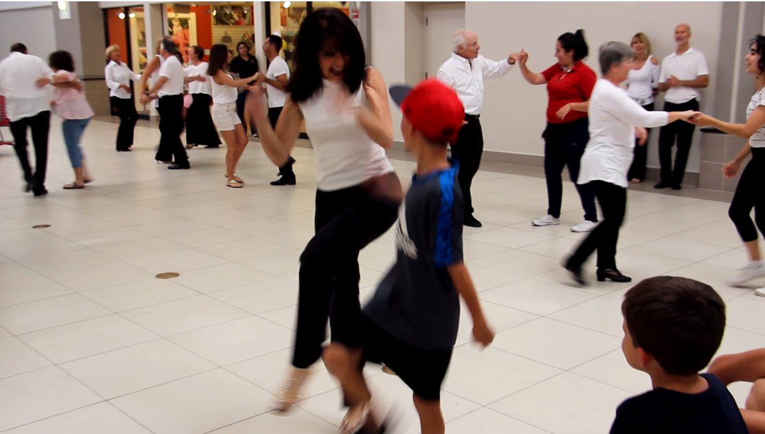 Royal Palm Chapter # 6016 - Swing is Back in Style Finale - Outreach to Audience Members - Coral Ridge Mall Fort Lauderdale - September 22, 2018